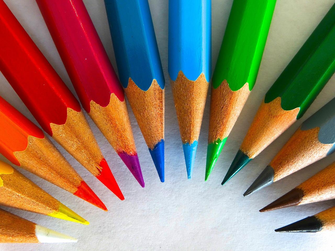 colour-pencils-450621_1280