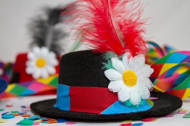 carnival-3075875_640