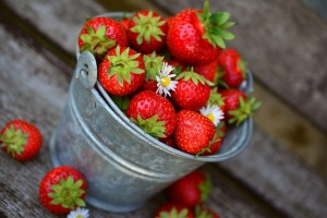 strawberries-3431122_640