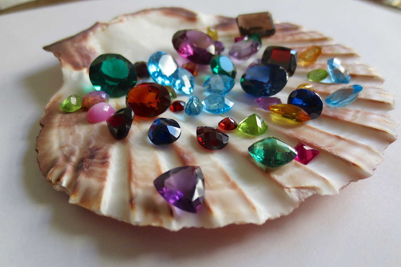 gemstones-1490209_1280
